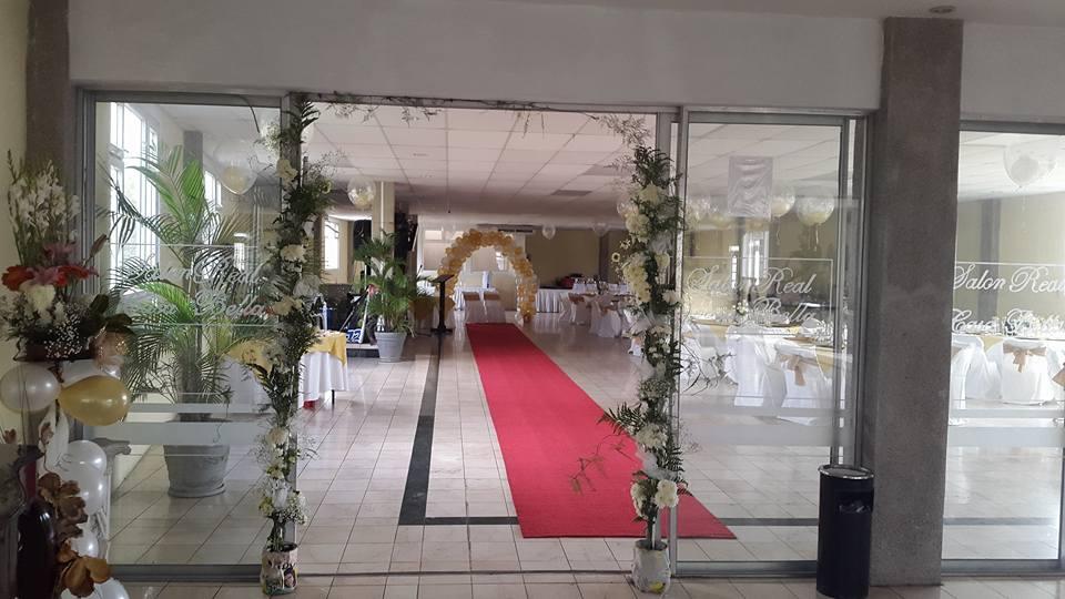 Club casa bella guatemala jardines y salones para eventos con parqueo alquiler de mobiliario - Alquiler casa para eventos ...